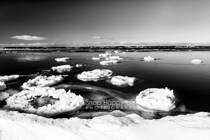 Elk Rapids Icebergs – Black andWhite
