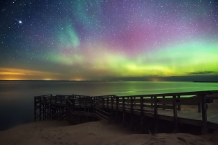 Photo:The northern lights dance over the big Lake Michigan overlook in the Sleeping Bear Dunes