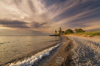 peaceful-Point-Betsie-Lighthouse-sunset-06167309