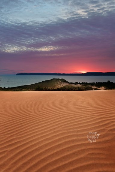 sunrise-sleeping-bear-dunes-wavy-sand-08164243
