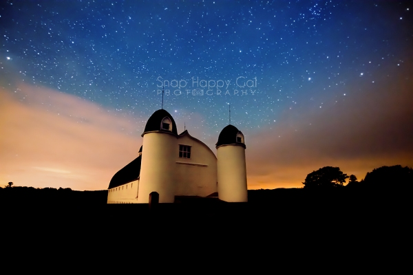 Photo: Starry skies over the iconic DH Day Barn, northern Michigan