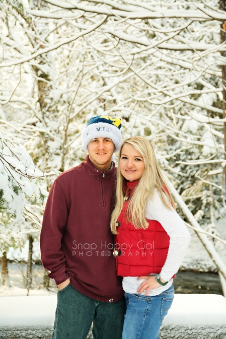 northern-Michigan-couple-photography-winter