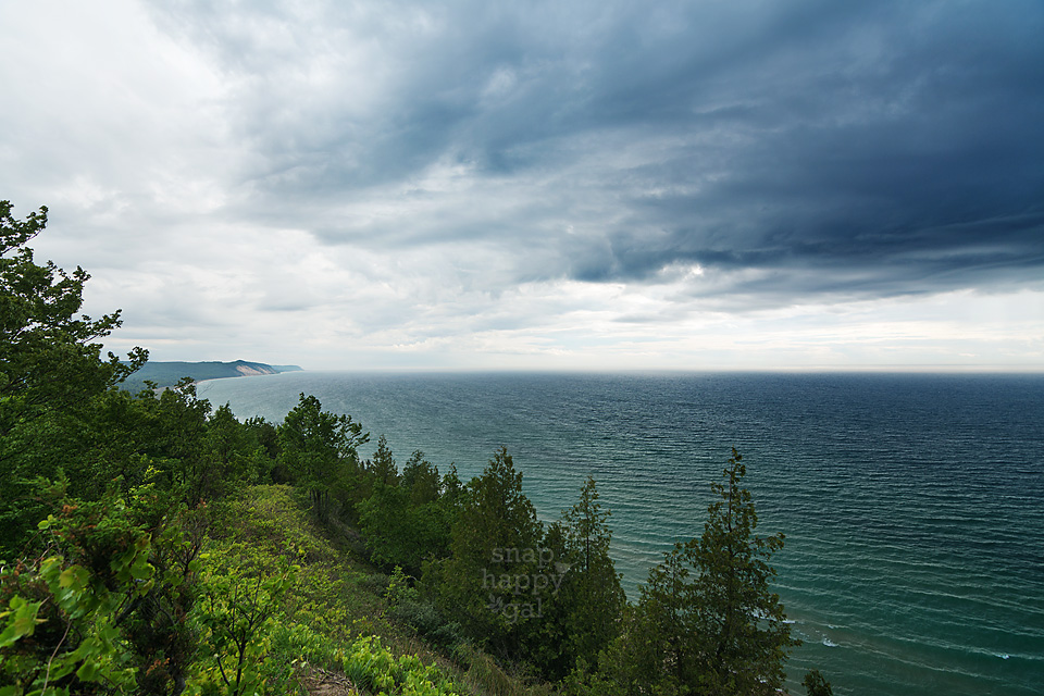 Photo: Moody clouds organize into a storm front over Lake Michigan