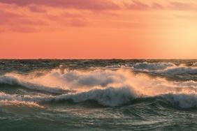 crashing-waves-lake-michigan-sunset-12181054