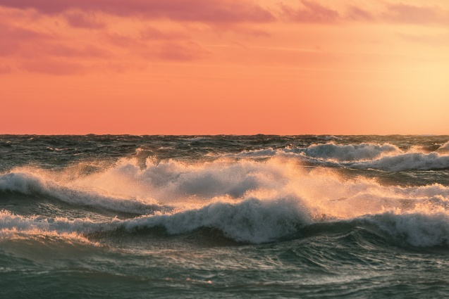 crashing-waves-lake-michigan-sunset-12181054