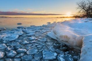 golden-lakesmoke-sunrise-ice-pancakes-traverse-city-01191489