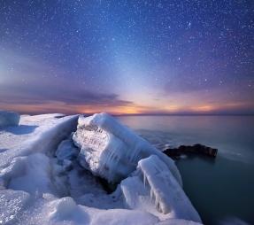 ice-formations-lake-michigan-night-sky-stars-02191822