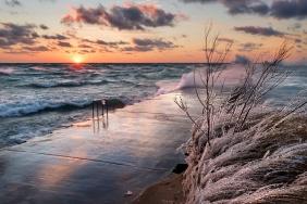 lake-michigan-gale-sunset-elberta-frankfort-icy-12181092