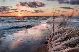 lake-michigan-gale-sunset-elberta-frankfort-icy-12181092