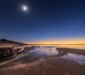 otter-creek-lake-michigan-stars-twilight-sunset-frozen-01191288
