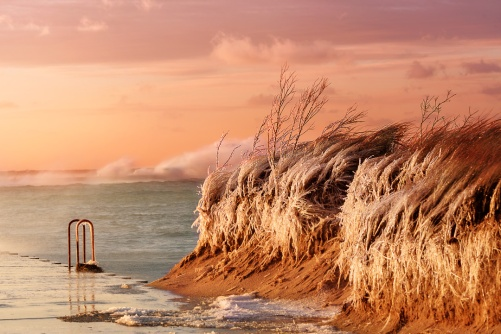 peachy-sunset-lake-michigan-gale-ice-12180998
