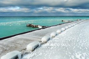 turquoise-frozen-point-betsie-lake-michigan-01191315