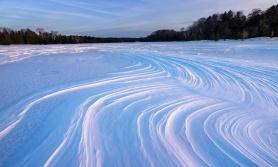 wavy-snow-textures-northern-michigan-03191939