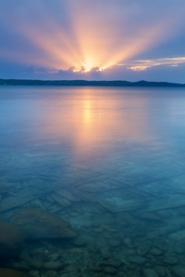 god-rays-sunset-Torch-Lake-clear-blue-water-05192741